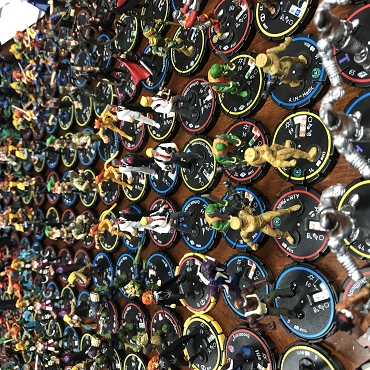 Heroclix - Lot of 27 - Random (Marvel, DC and more!)